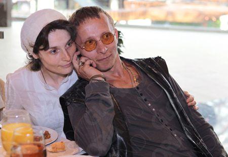фото сеска с женой