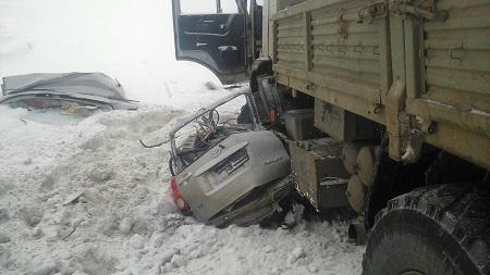 ВУдмуртии шофёр Тойоты умер влобовом столкновении с фургоном