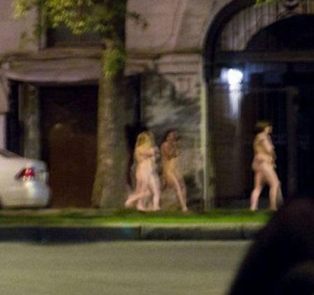 очевидец заснял голых девчонок
