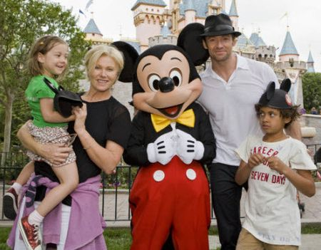 hughjackman-and-family.jpg