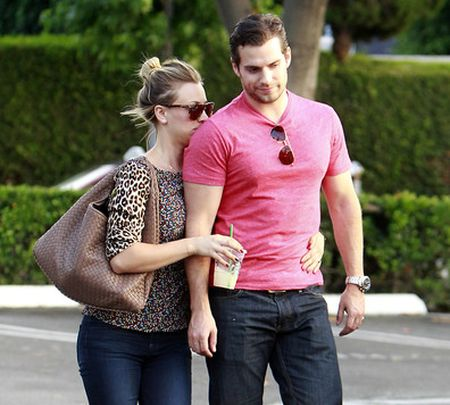 Henry+Cavill+Kaley+Cuoco+couldn+t+keep+their+vv25Qr_sdHQl.jpg